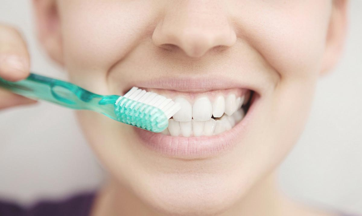 brush your teeth after tooth extraction